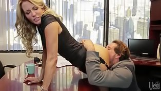 Office sex with a kinky blonde
