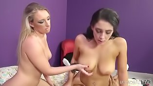 Two twisted babes share a hot dick