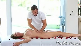 Perfect massage for a perfect hoe
